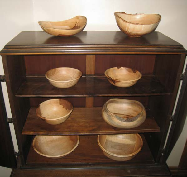 bowls-in-cabinet.jpg